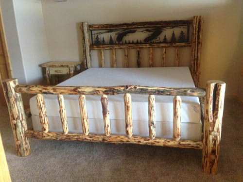 Ordinaire ... Log Bed. King Eagle Iron Sceen